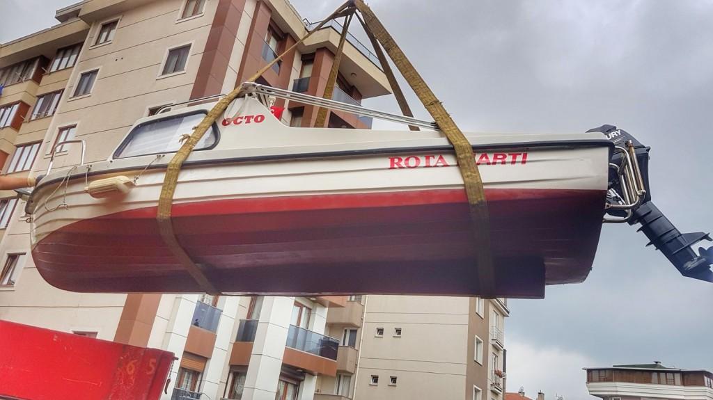 Tekne Vinçle Kaldırılırken - Uçan Rota MArtı :D